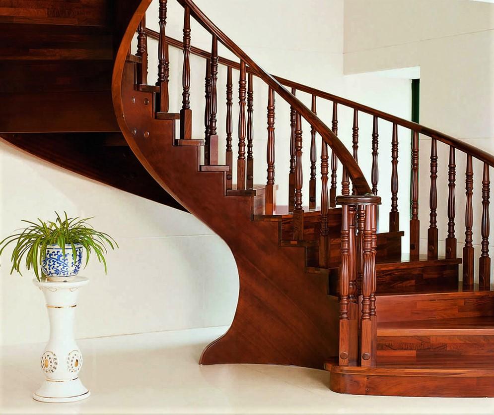 Mẫu lan can cầu thang đẹp sử dụng bậc cầu thang gỗ