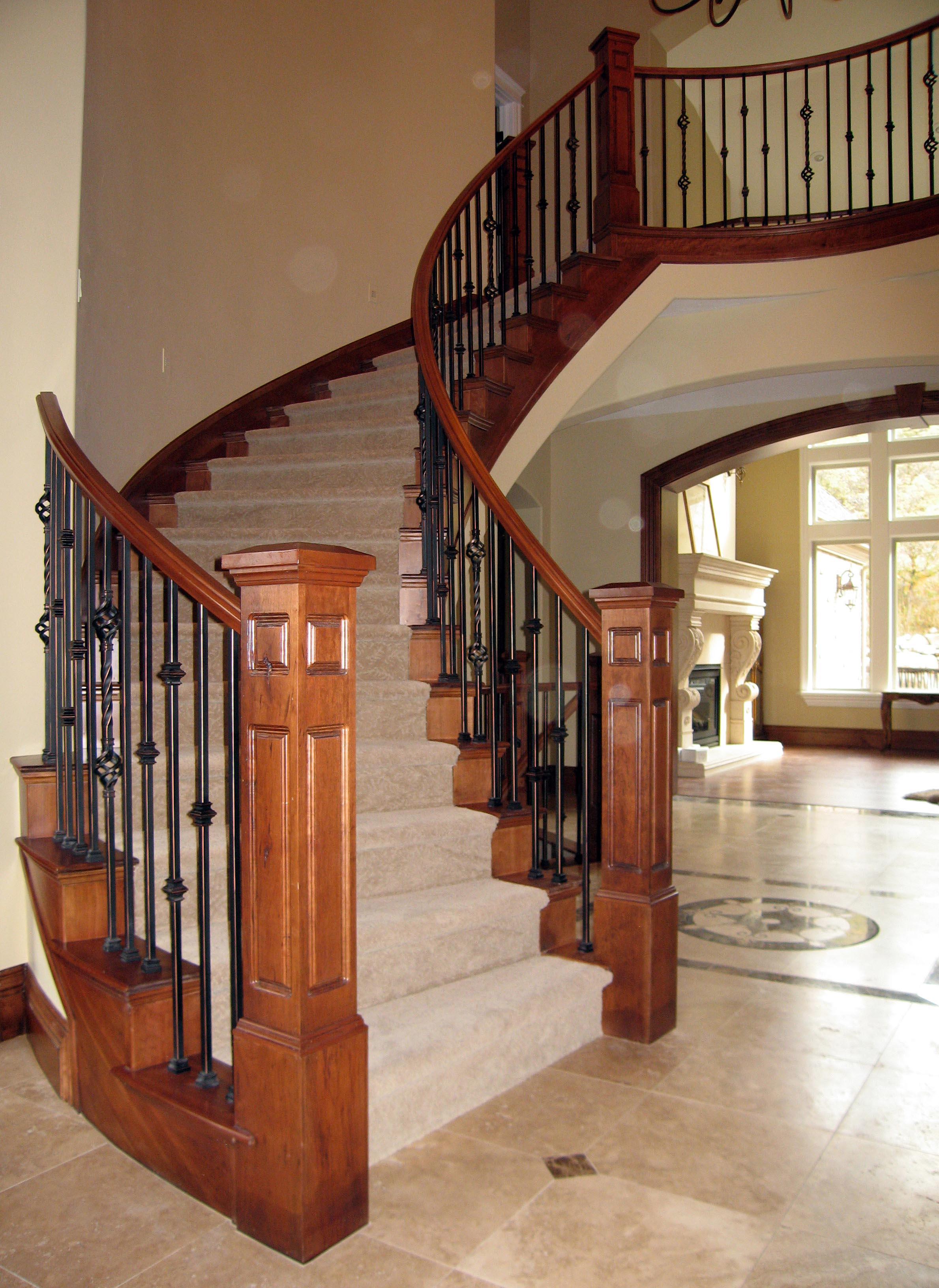 Mẫu lan can cầu thang đẹp bằng gỗ sẽ khá tốn kém về chi phí thi công